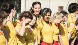 Féminines   La fabuleuse histoire d'une équipe de football féminin.